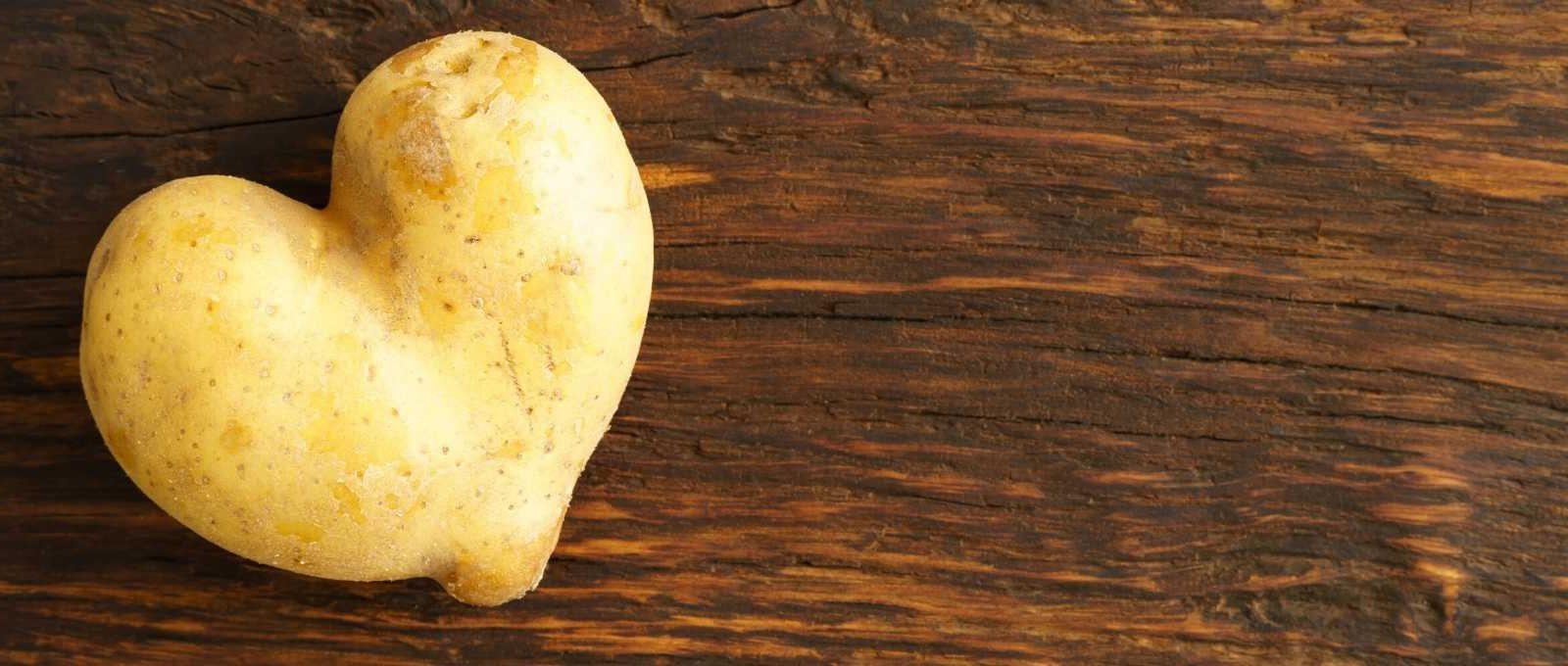 krompiraska-maska-od-krompira-za-rast-kose-za-masnu-kosu.